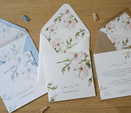 Invitaciones con diseños florales, pintados a mano