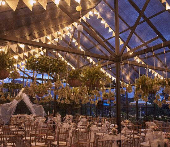 Salón de Cristal / Barn de Eventos.