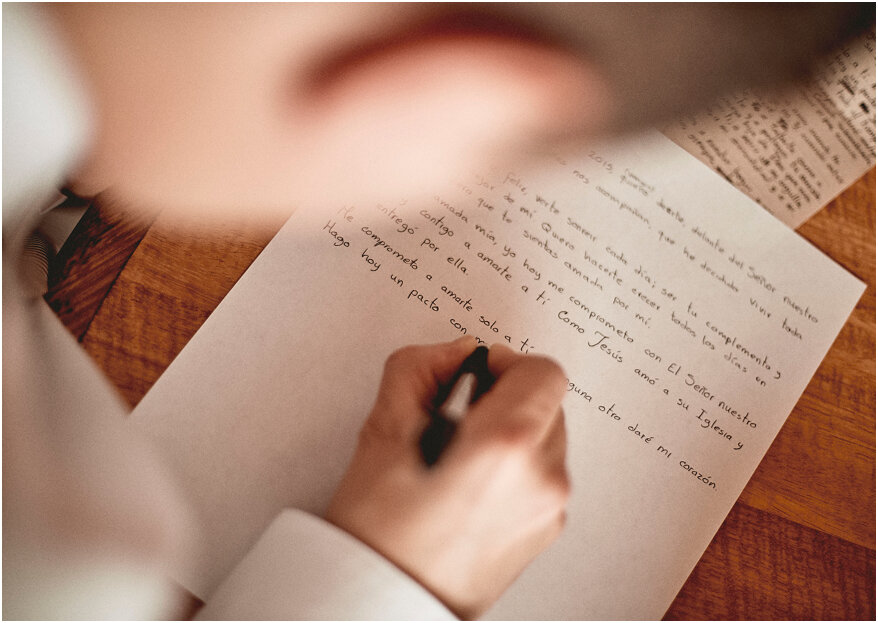 Cómo escribir los votos matrimoniales: el paso a paso para una declaración única